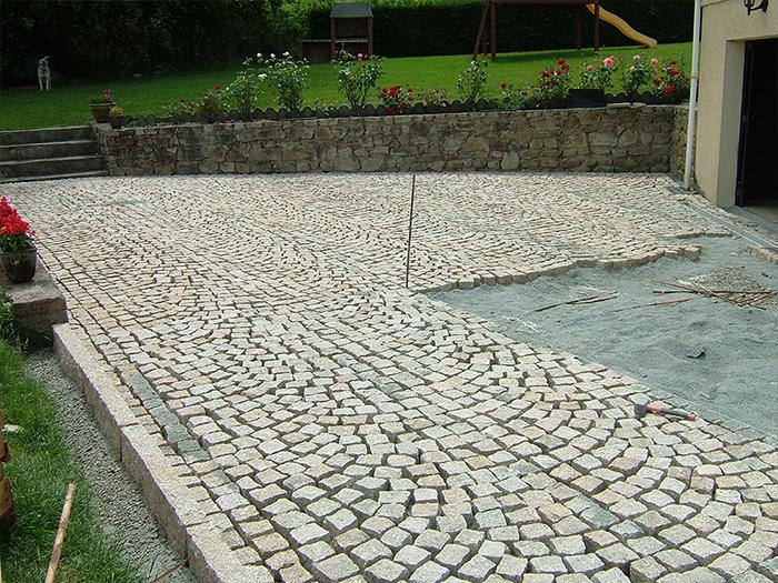De Pierres Et Deau Pave Granit Beige02 00